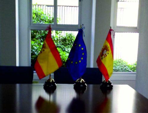 Banderas de sobremesa…protocolo en el despacho