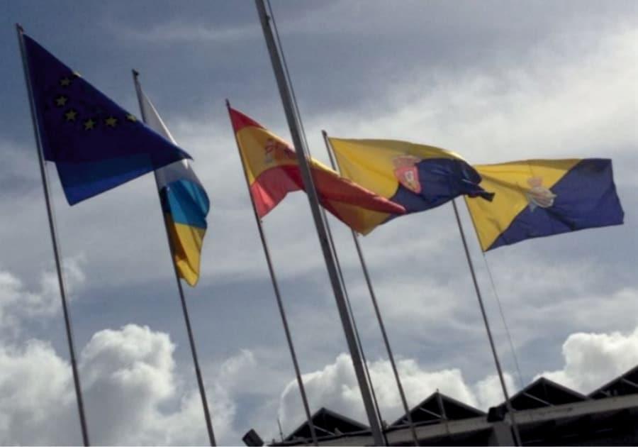 Banderas y mastiles de gran tamaño Eventtos Canarias