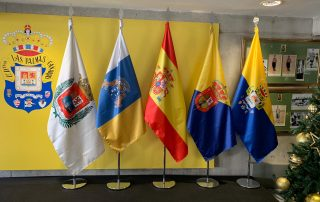 Artículos de protocolo en las palmas banderas deportivas Eventtos Canariass