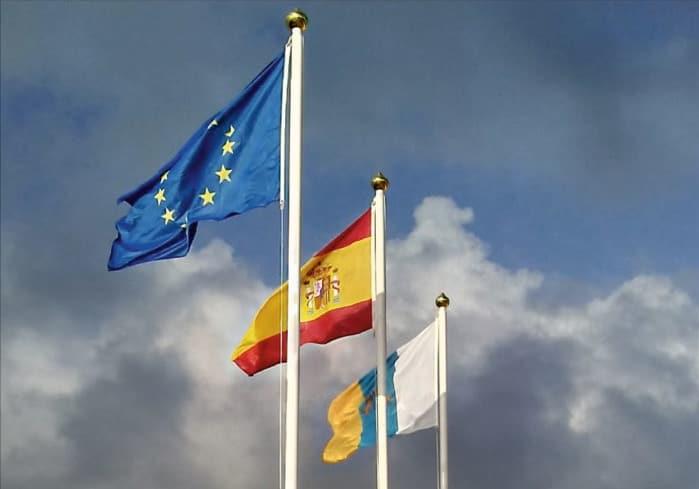 Banderas y mastiles estandar Eventtos canarias